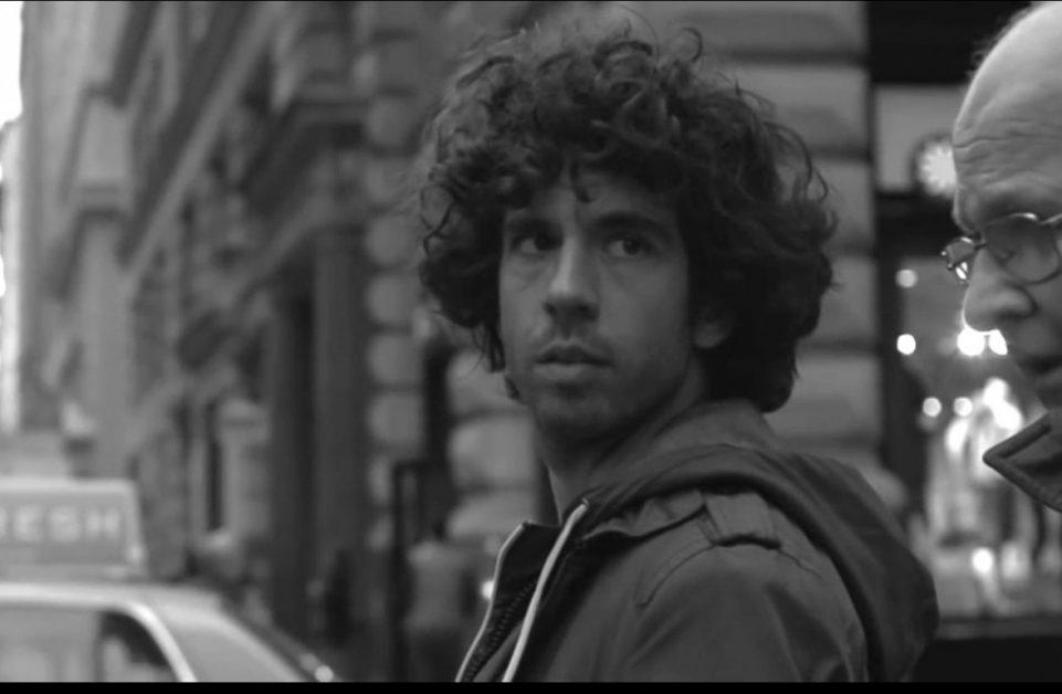 המפגש עם אדם זר ברחוב מנקודת מבט יוצאת דופן